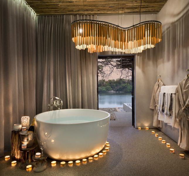 Matetsi River Lodge Suite Bath 2