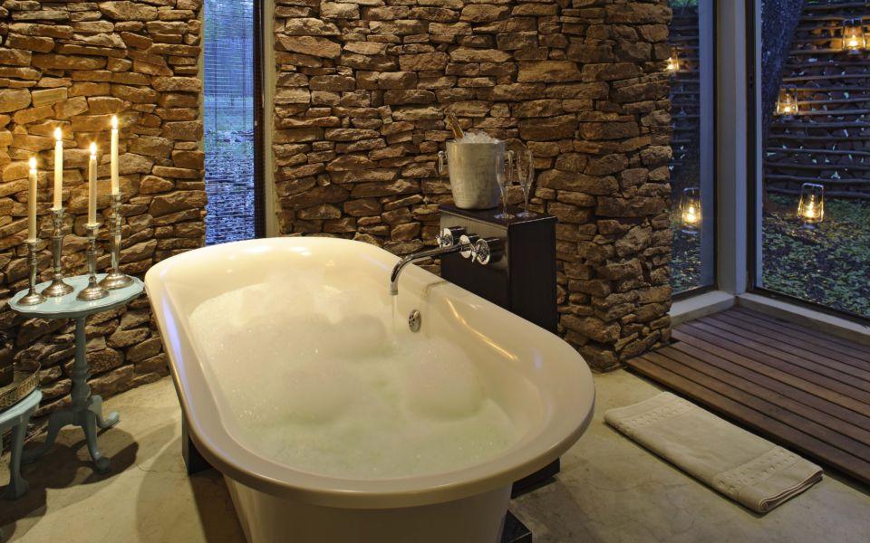 Phinda Zuka 2013 3 Bath Crop