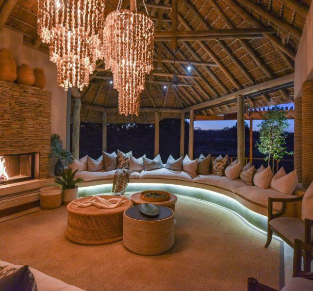 Dulini River Lodge Main Lodge Lounge 2
