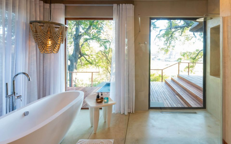 Dulini River Lodge Bathroom