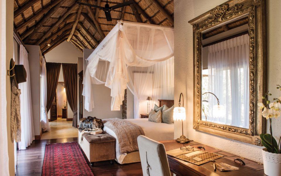 Dulini Suite Bedroom 0120 Vl